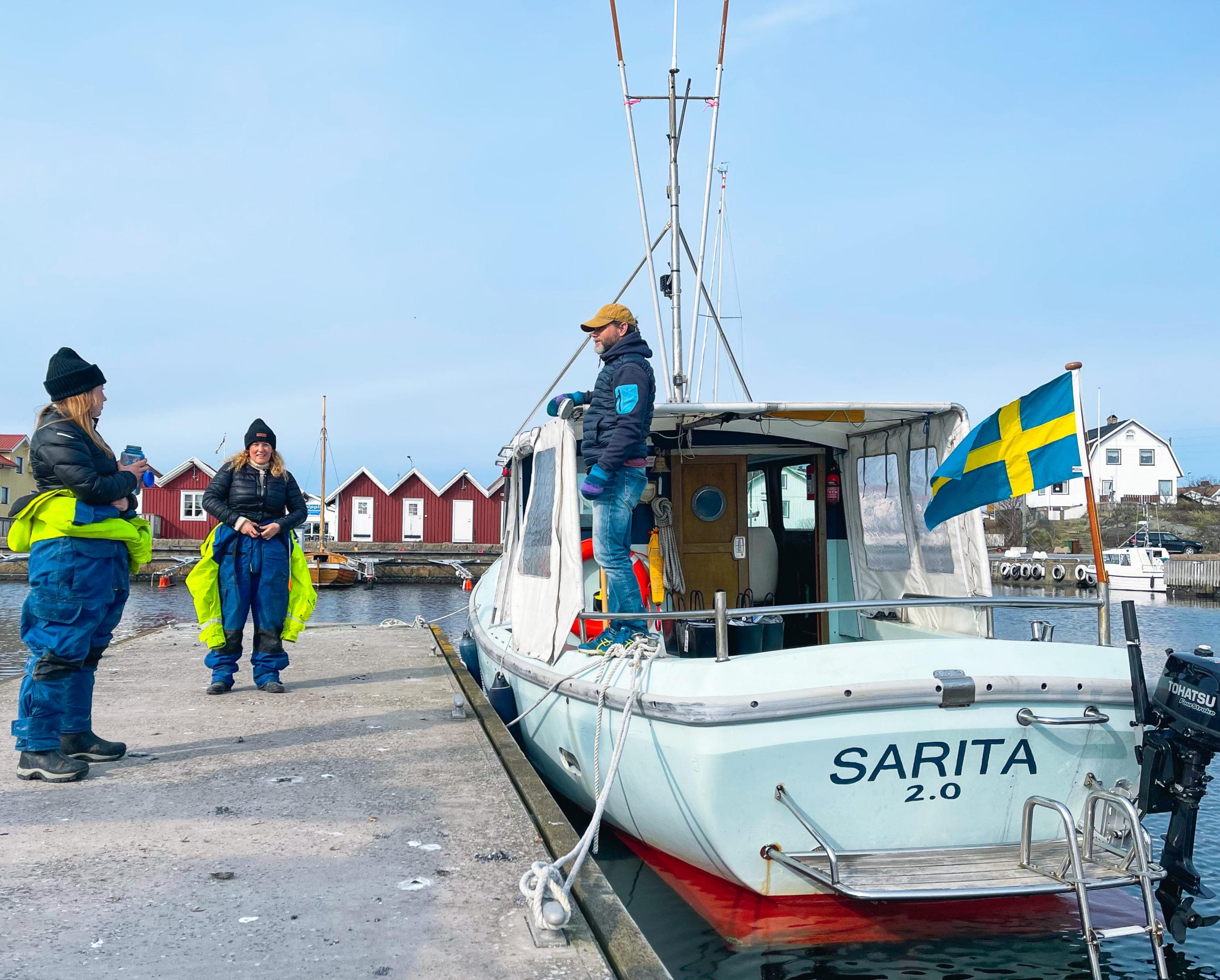 Charterbåten Sarita på Källö-Knippla