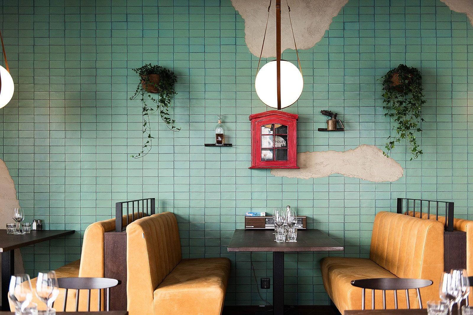 Inomhus, stolar, bord